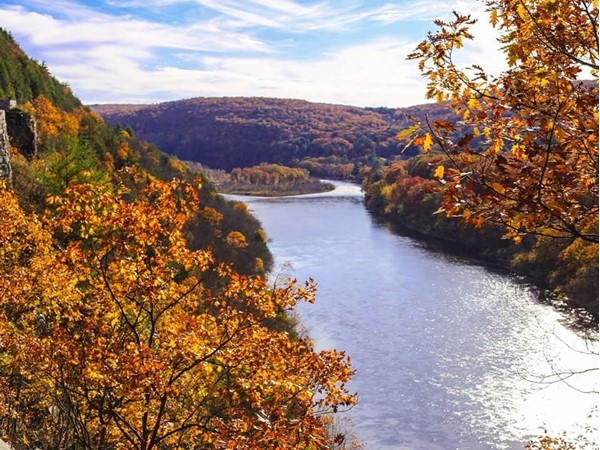 View of the Delaware River from The Hawks Nest, just west of Middletown