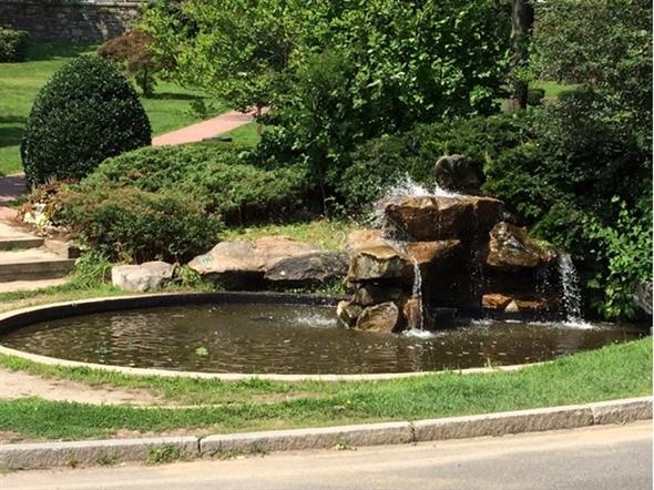 A pretty fountain in White Plains