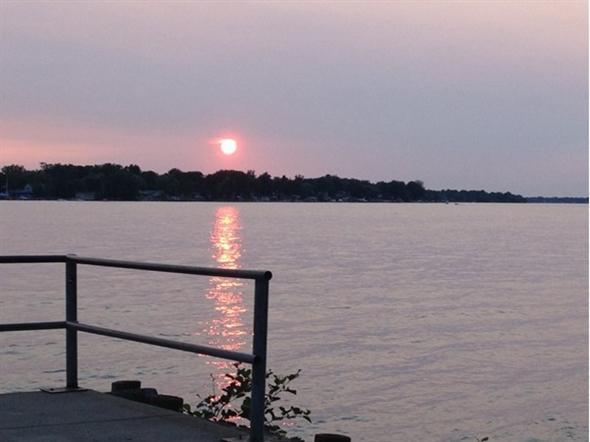 Beautiful sunset at Veteran's Park