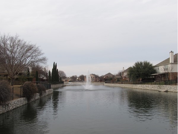Beautiful view of the neighborhood lake and fountain