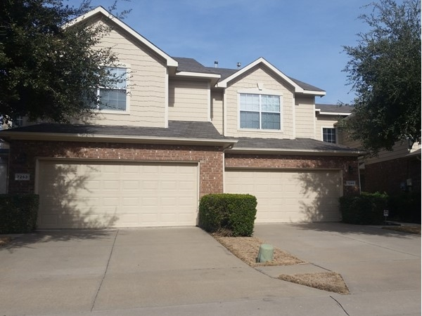 Two story townhome in Parker Estates