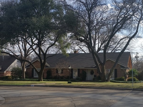 Ranch style home in Greenwood Hills