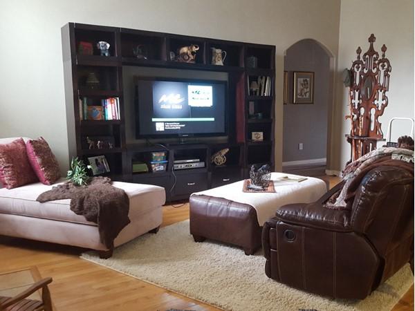 Cozy family room in Allen