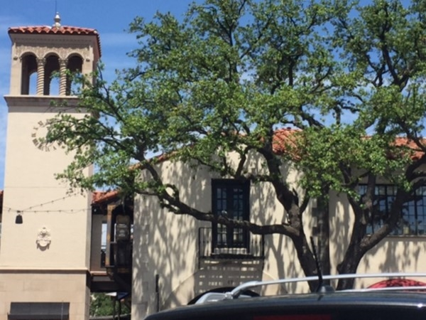 Beautiful architecture in Highland Park Village at Mockingbird and Preston